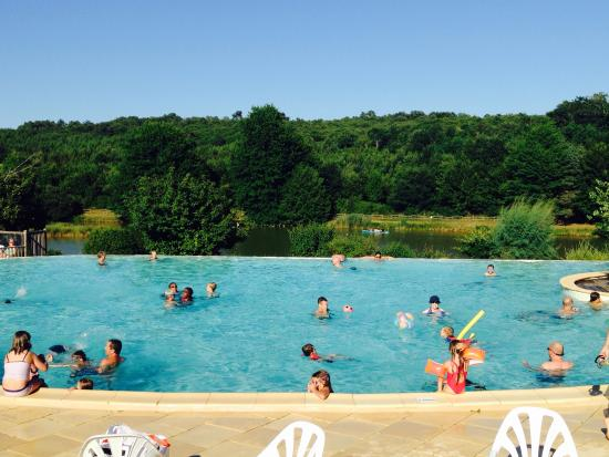 Piscine camping le moulinal picture of camping le for Camping le piscine sarteano