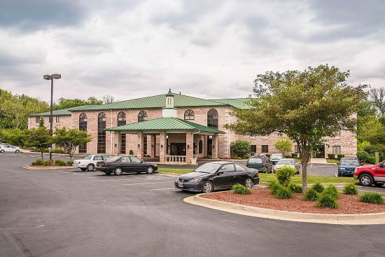 Photo of Quality Inn & Suites Forest Park