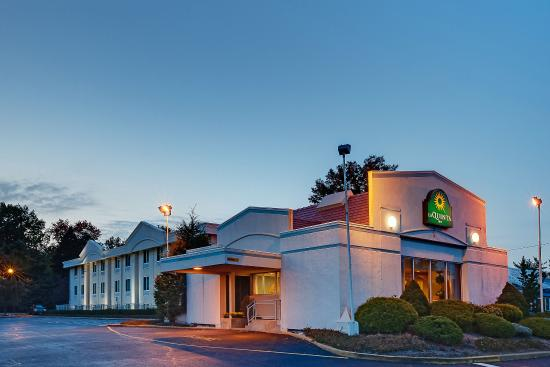 Ramada rochelle park new jersey hotel reviews and rates