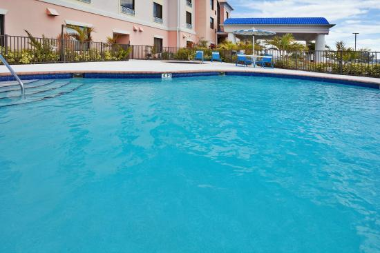 Swimming pool picture of holiday inn express hotel suites okeechobee tripadvisor Holiday inn hotels with swimming pool