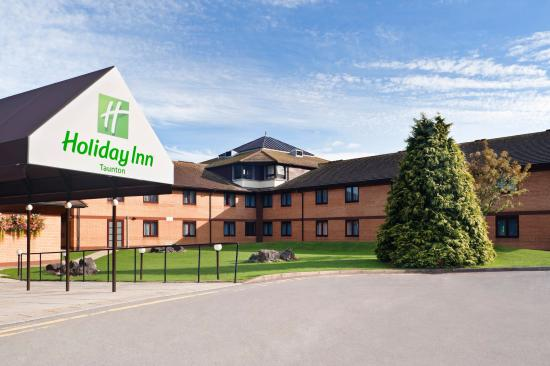 Hotel Exterior A Warm Welcome Awaits At The Holiday Inn Taunton Picture Of Holiday Inn