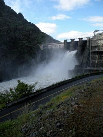 Oxbow, OR: Hells Canyon Dam - South Entrace into Hells Canyon