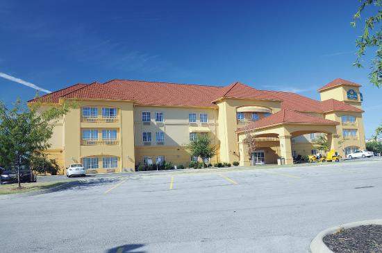 Photo of La Quinta Inn & Suites Bowling Green