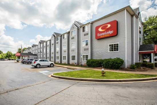 Photo of Econo Lodge Inn and Suites Greenville