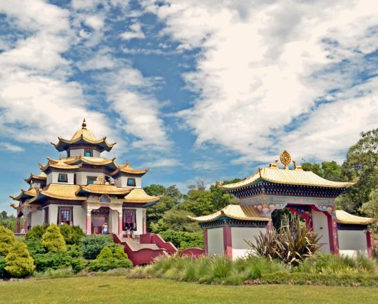 trs coroas buddhist dating site Compare 83 hotels near buddhist temple chagdud gonpa khadro ling in tres coroas using 487 real guest reviews earn free nights, get our price guarantee & make booking easier with hotelscom.