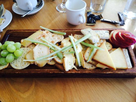 Portballintrae, UK: Cheese Board for 2