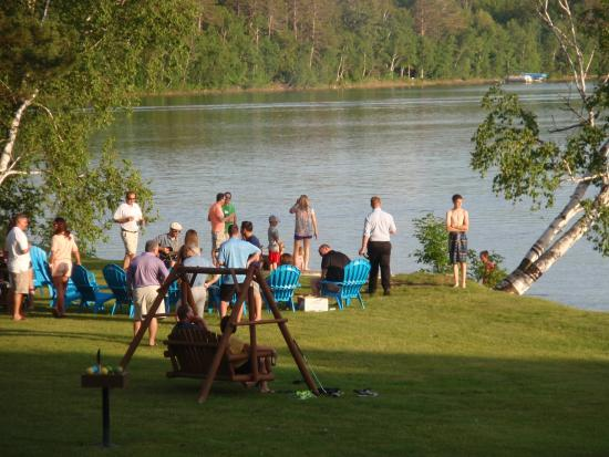 Cohasset, MN: sing-a-long by lake