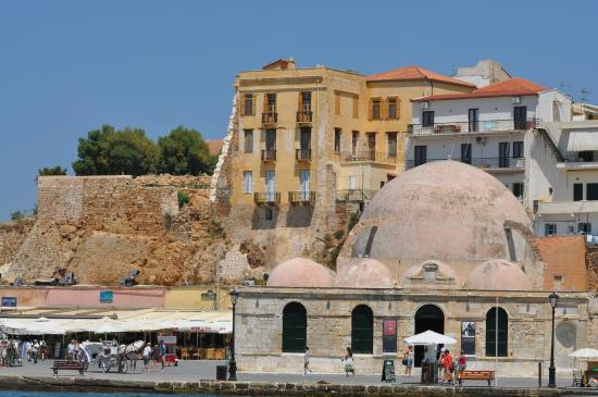 style mix - Picture of Old Venetian Harbor, Chania Town ...