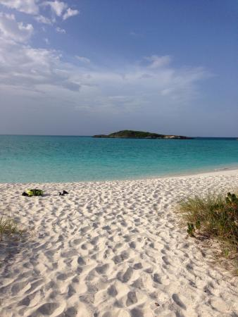 Аут-Айлендс: A relaxing Sunday flow at one of the most beautiful beaches of The Exumas