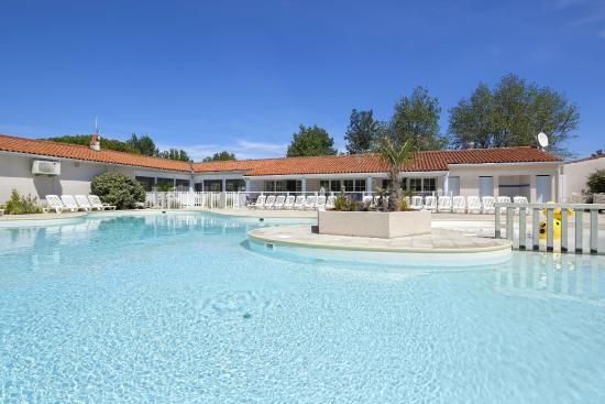 Piscine camping au port punay ch telaillon plage for Chatelaillon piscine