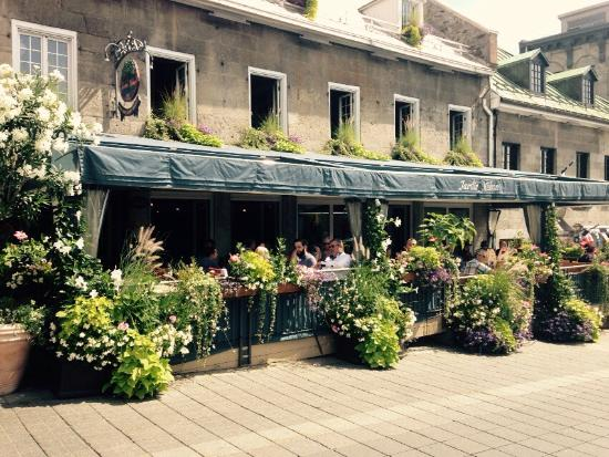 Restaurant jardin on place jacques cartier picture of for Restaurant jardin montreal