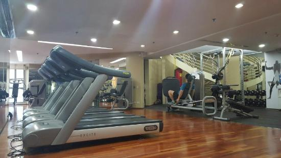Gym Picture Of Discovery Suites Pasig Tripadvisor