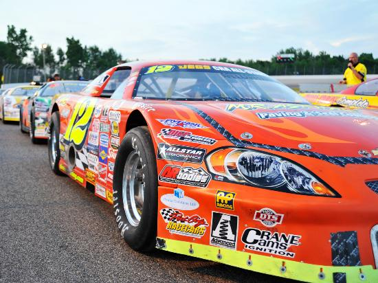 Birch Run, MI: Dixie Motor Speedway Racing