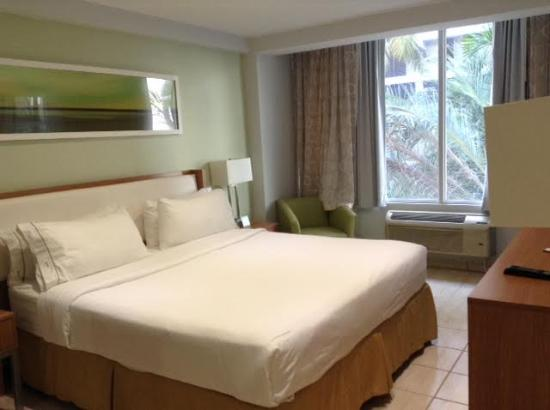 Chambre avec lit king size photo de holiday inn express san juan condado san juan tripadvisor for Chambre avec lit king size