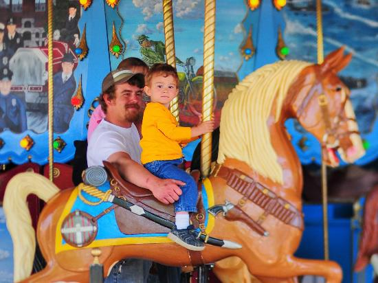 Saginaw, MI: Carousel Rides at the Children's Zoo At Celebration Square