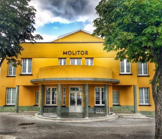 Front picture of hotel molitor paris mgallery for Molitor hotel paris