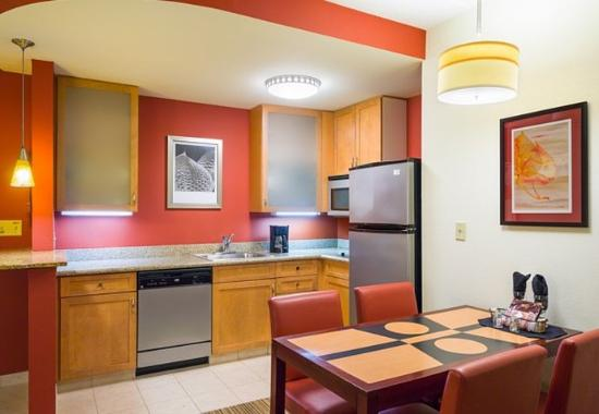 Two Bedroom Suite Kitchen Picture Of Residence Inn Philadelphia Langhorne Langhorne Tripadvisor