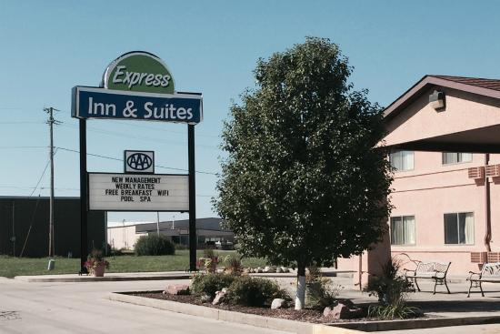 ‪Express Inn & Suites‬