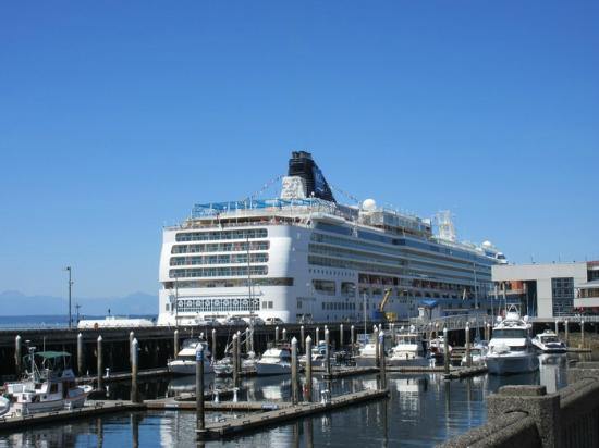 cruise boat picture of seattle waterfront seattle tripadvisor