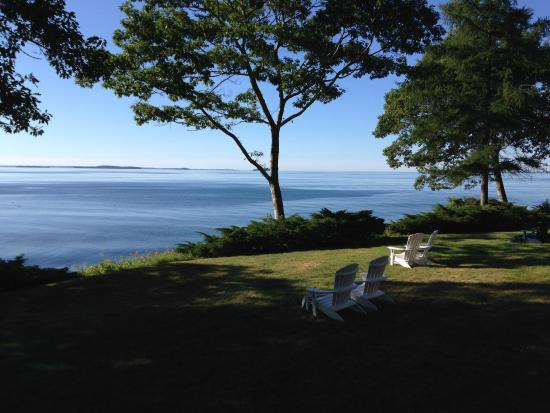 Lincolnville, Мэн: A morning in Maine . . .