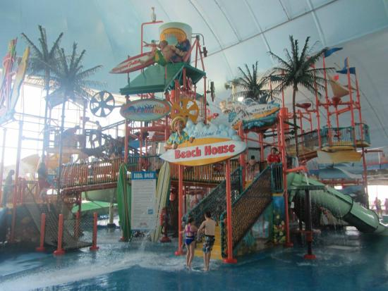 waterpark picture of fallsview indoor waterpark niagara. Black Bedroom Furniture Sets. Home Design Ideas