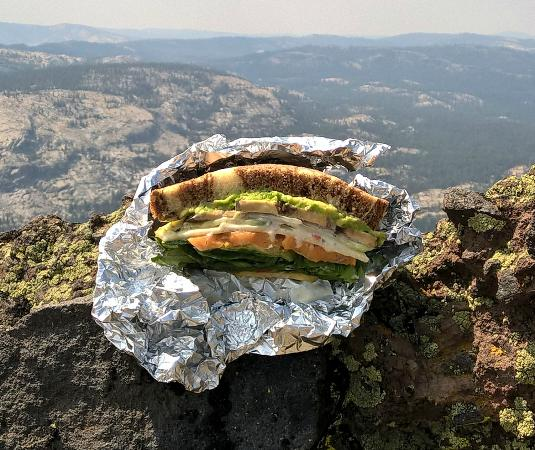 Pioneer, CA: Earl's sandwich a the top of Thunder Mountain