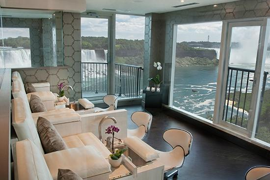 Just relax review of christienne fallsview spa niagara for Pool spa show niagara falls