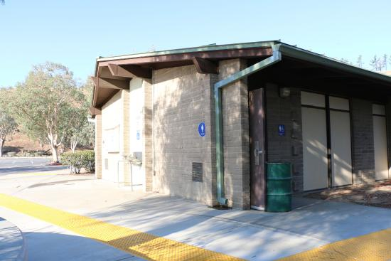 Castaic, CA: Restroom at the Lake