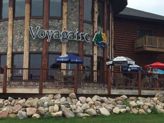 Crane Lake, MN: Beautiful lodge and the room was very comfortable.