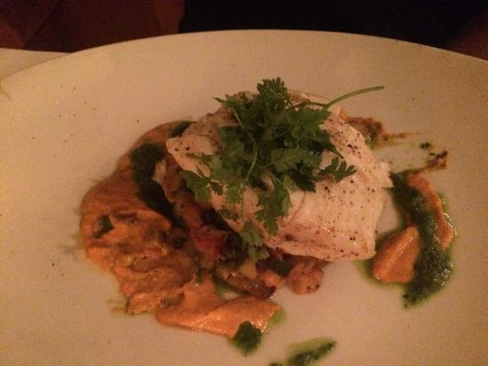 Frascati: Amazing Halibut and the Filet Mignon was so tender. One of best dinners ever!