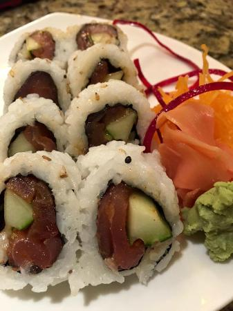 South Glastonbury, CT: Spicy Tuna Roll