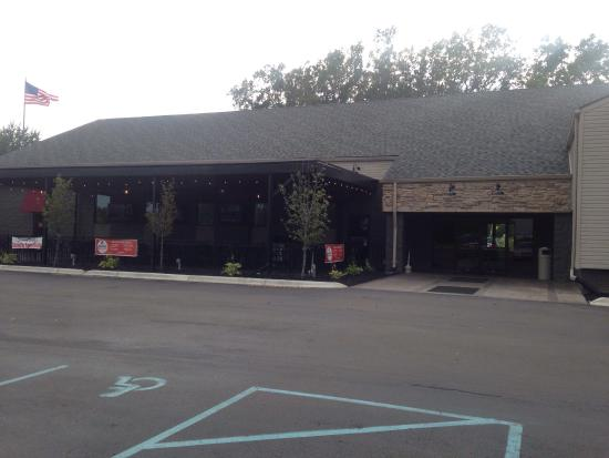 Brownstown Township, MI: Good food with wine bar