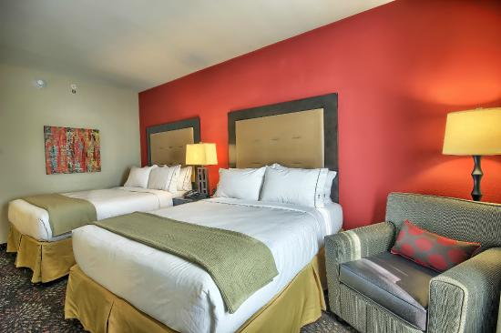 New Martinsville, WV: Double Queen Room