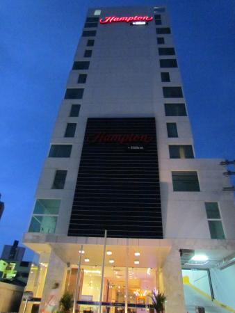 Hotel Exterior - Picture of Hampton By Hilton Panama ...