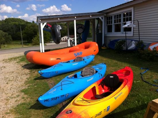 Wolverine, MI: Very nice kayaks and canoes for rent
