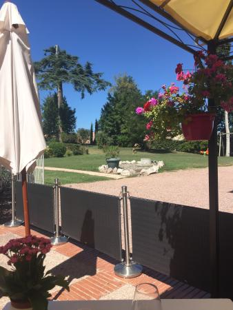Lombez, France: Restaurant lunch view