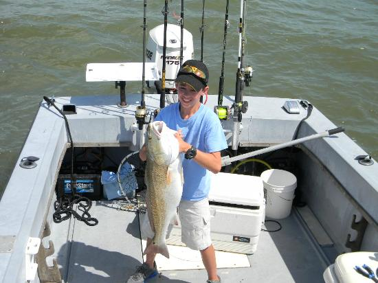 Bull red fun for Gulf shores alabama fishing charters