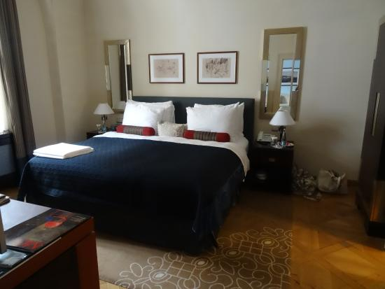 Mandarin Oriental, Prague: Bedroom of the Leo Moser Suite