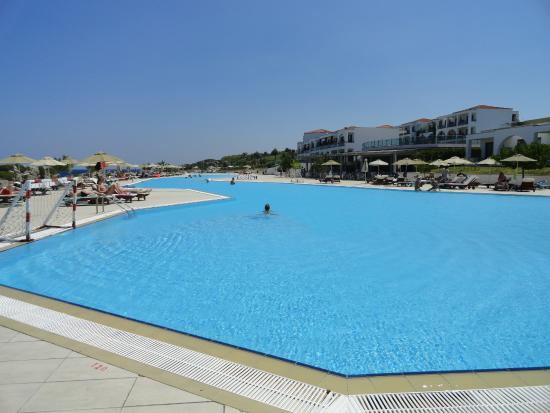 Piscine eau de mer picture of the kresten royal villas - Construire piscine eau de mer ...