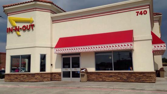 Lancaster, TX: Same as you will find out west. Simple burgers, great shakes & hand cut fries.