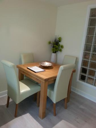 Camberley, UK: Dining area