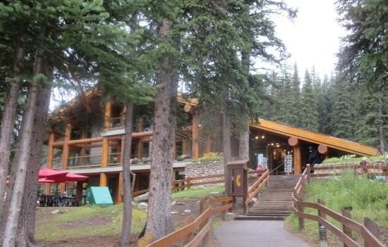 Deluxe cabin 16 picture of moraine lake lodge lake for Lake louise cabin rentals