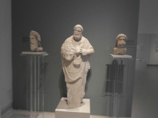 ψηφιδωτά δάπεδα - Picture of Patras Archaeological Museum ...