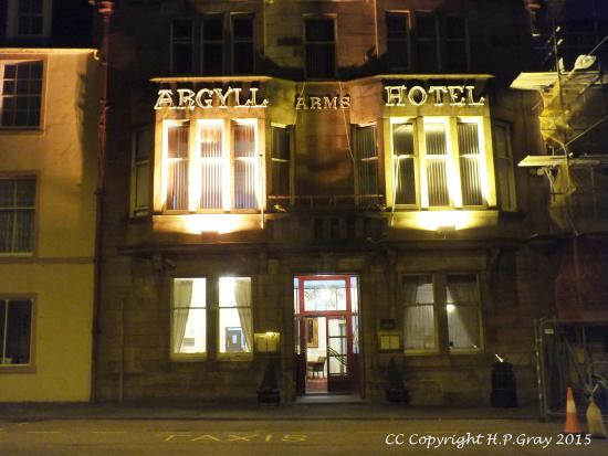 Argyll Arms Hotel: Front of hotel