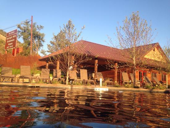 Picture of iron mountain hot springs for Cabins for rent near glenwood springs