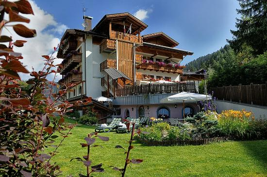 Photo of Hotel Gianna Madonna Di Campiglio