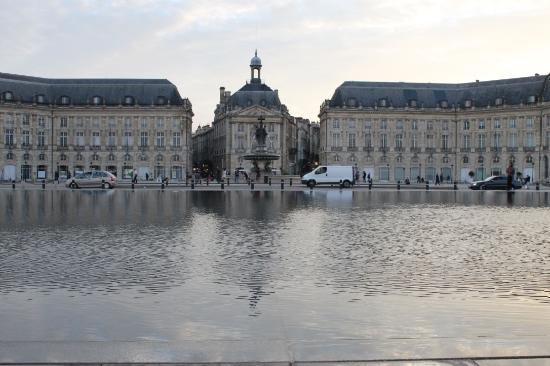 1 picture of miroir d 39 eau de bordeaux bordeaux for Miroir d eau