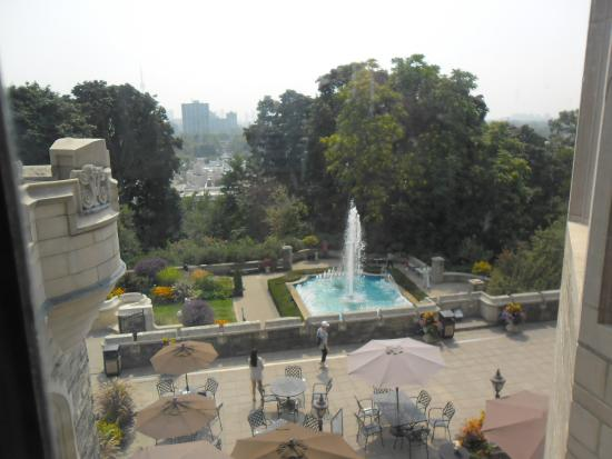 View of the terrace and fountain oh to wake up to this for 1 austin terrace toronto ontario m5r 1x8