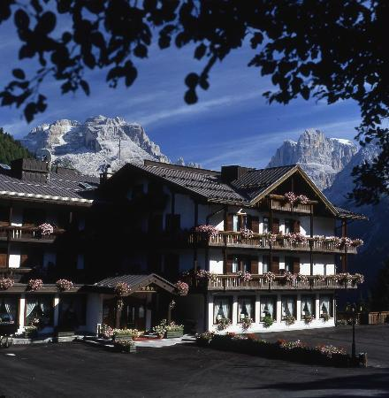 Photo of Hotel Lorenzetti Madonna Di Campiglio