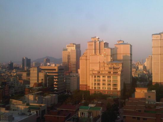 Imperial Palace Hotel: View out window